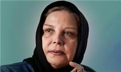 بوسه مریلا زارعی بر دستان مهری شیرازی