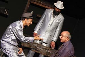 مشکل اصلي تئاتر مشهد، نبود مکان قانوني و مناسب مخصوص تمرين است